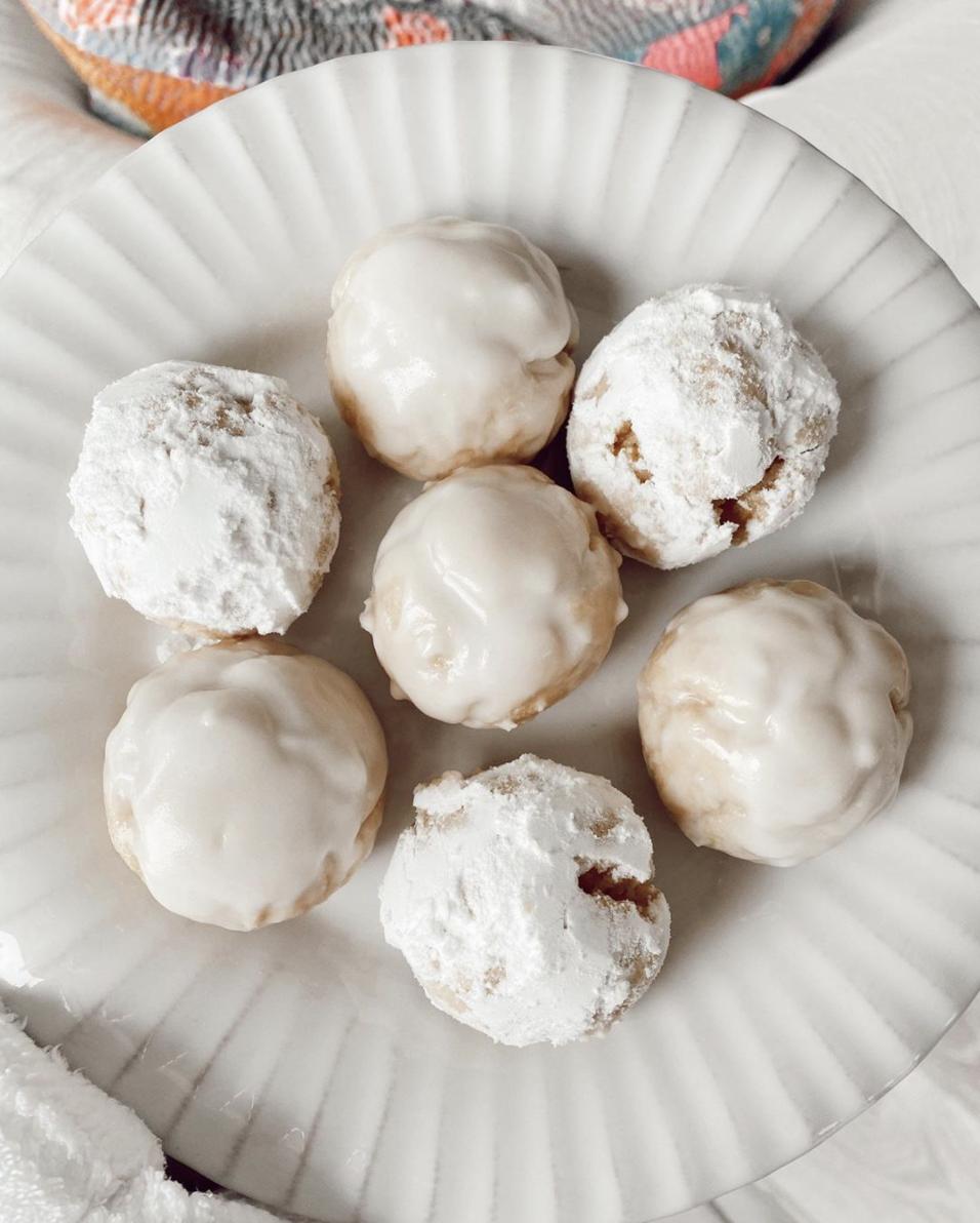 Powdered & Glazed Donuts