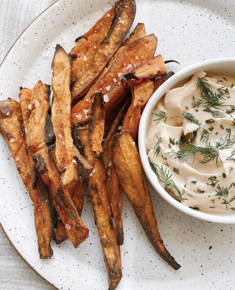 Sweet Potato Fries With Vegan Buffalo Ranch Dip